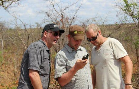 Grundstückabmessung mit GPS für den Bau der Häuser