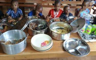 Kinder beim Essen