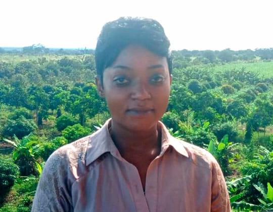 Portrait von Angela